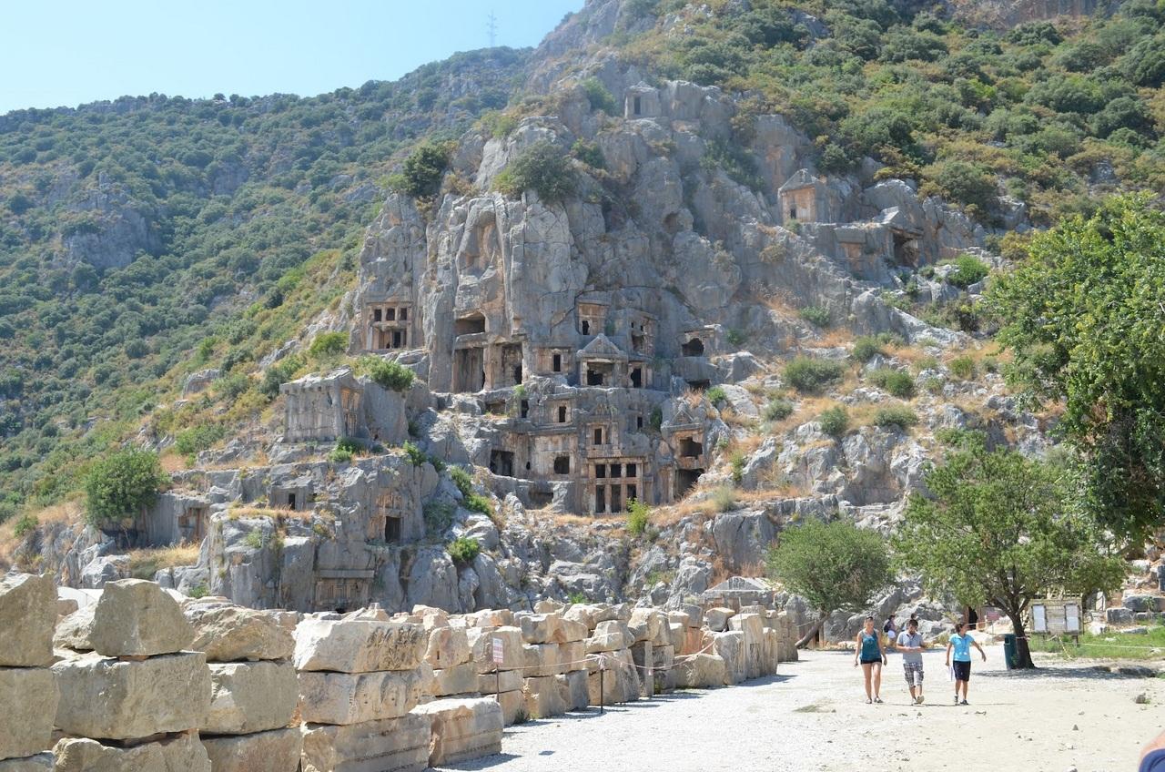 Ликийские гробницы Мира