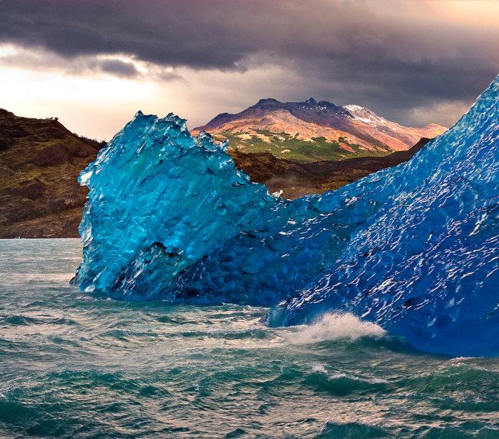 Просто айсберг только что перевернулся