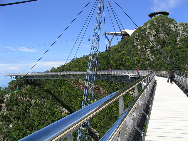 Bridge at summit, Langkawi, Малайзия