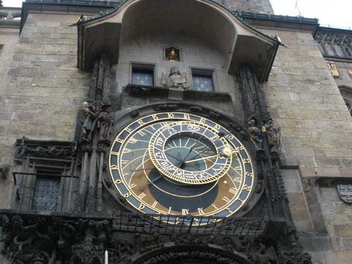 часы прага