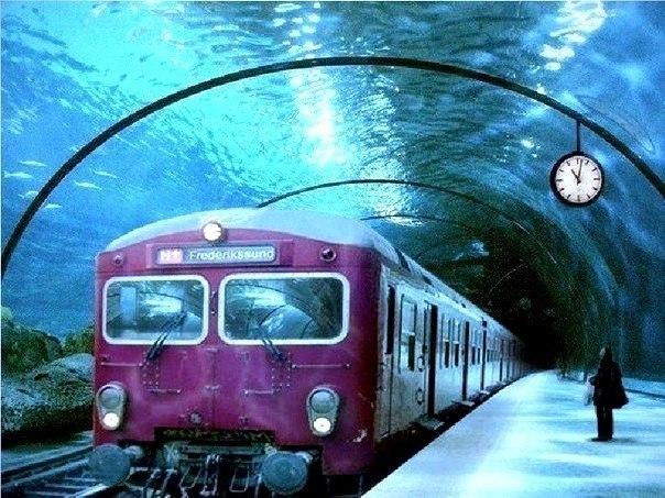 Поезд в подводном тоннеле, Дания