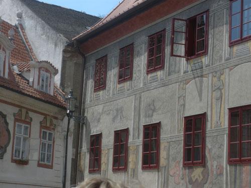 росписи на стенах домов