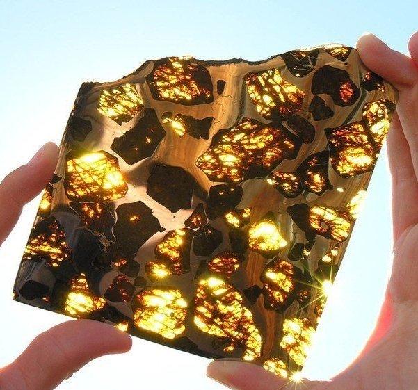 Кусочек метеорита