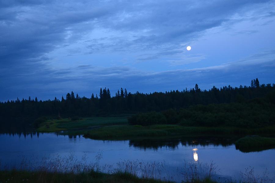 Лунная ночь на р.Поной, село Краснощелье