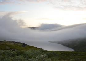 Облако накрыло озеро