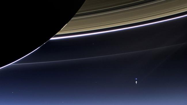 201 Земля со стороны Сатурна
