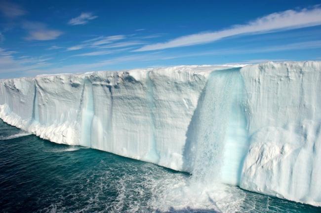 223 Ледниковый водопад