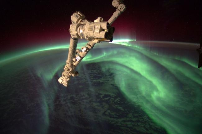 226 Полярное сияние из космоса