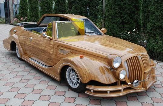 Автомобиль изготовленый полностью из дерева